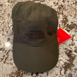 NWT The North Face Horizon Hat